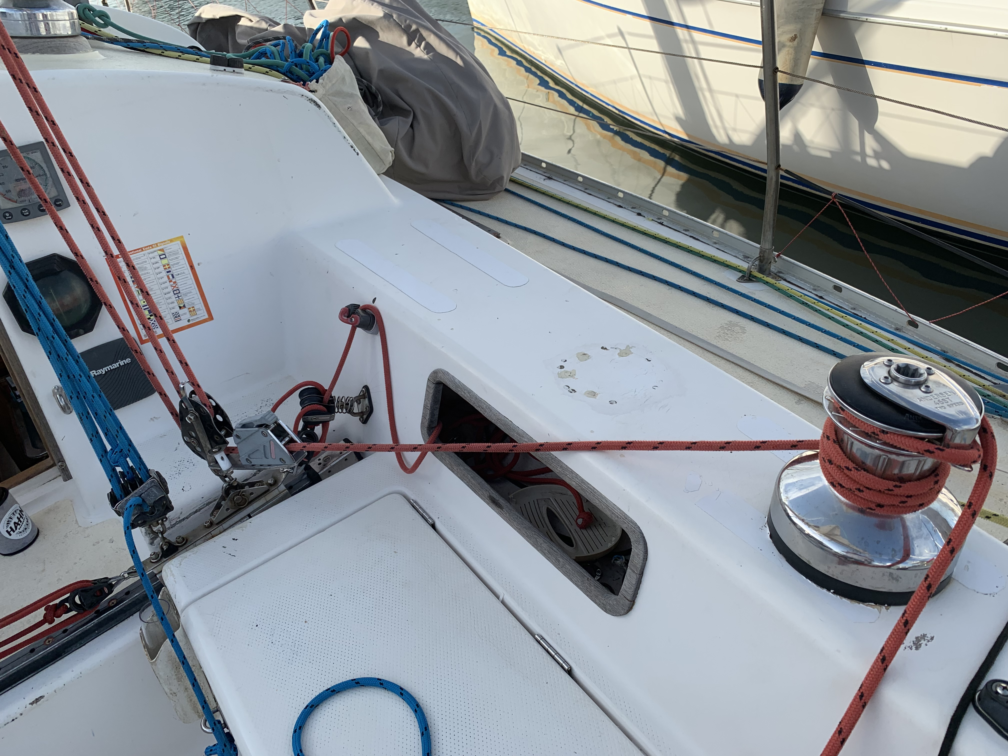 mainsheet clutch and winch.jpeg