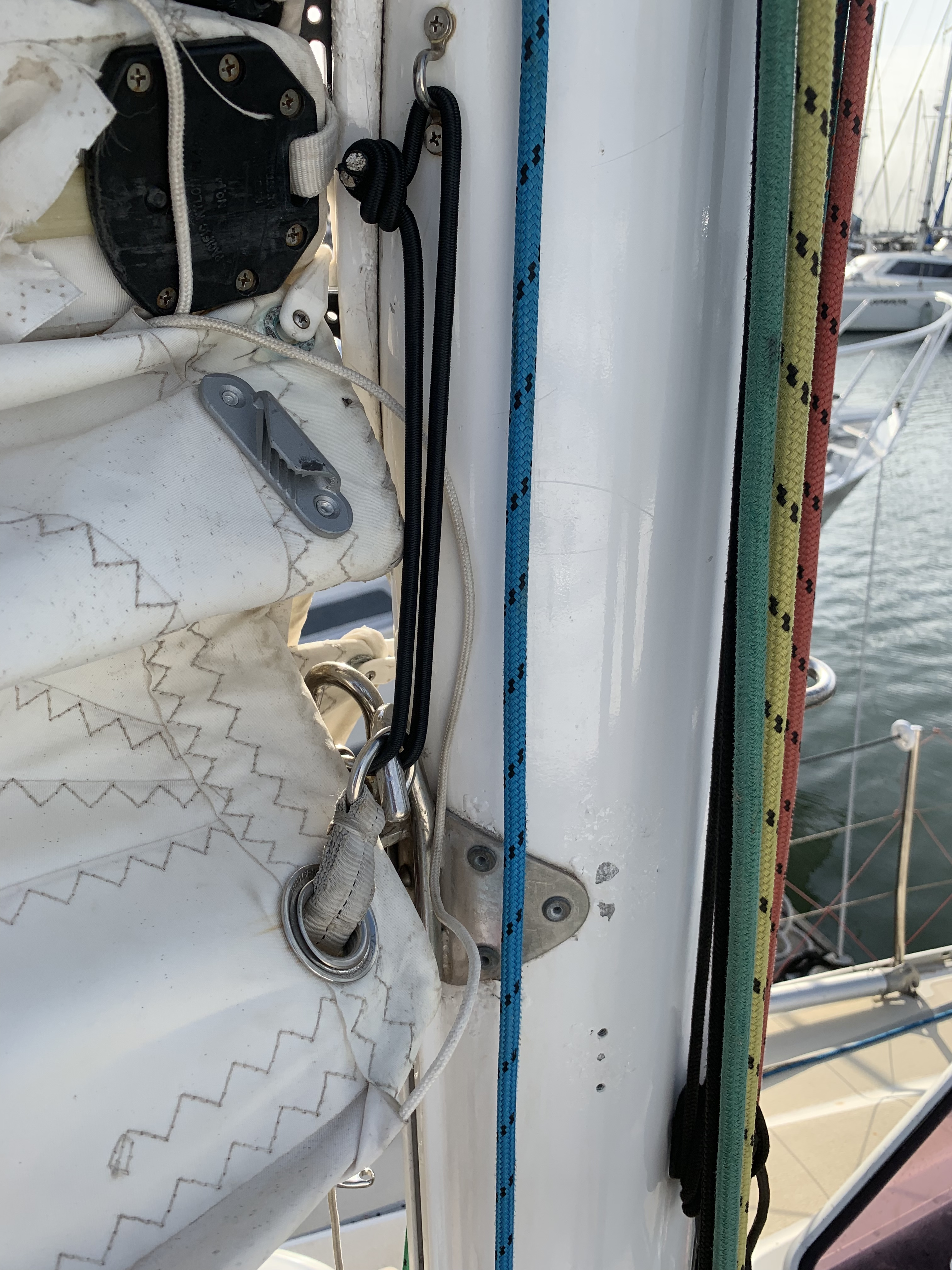 reefing shock cord on tack
